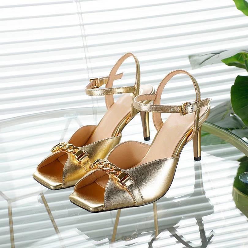 Gucci Sandálias femininas High Heel Designers Crie sandálias casuais de alta qualidade de verão disponíveis em uma variedade de cores QQ00