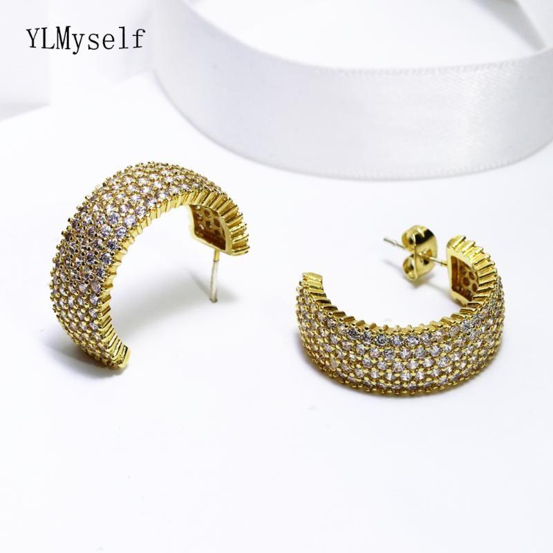 Sınırlı miktarda satış lüks geniş cz hoop küpe altın plaka takı mücevher kadınlar için yarım yuvarlak tasarım küpe