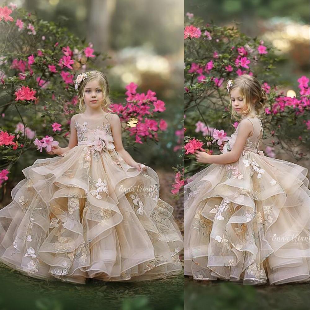 2021 결혼식을위한 새로운 꽃 소녀 드레스 보석 넥 샴페인 푹신한 주름진 꽃 작은 아이 아기 가운 첫 번째 친교 드레스