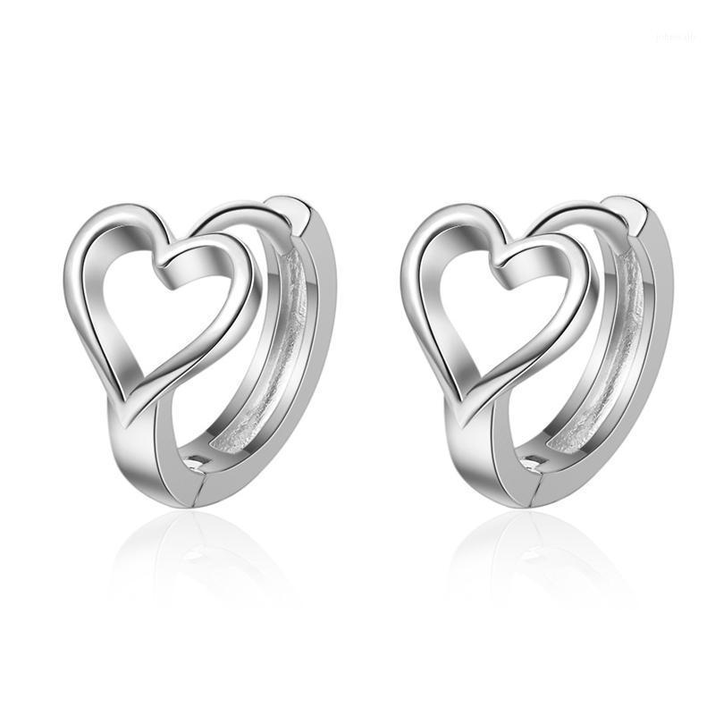 Hoop Huggie Utimtree Простое маленькое сердце в форме 925 стерлинговых серебряных серебряных серебряных для женщин Minimalistist Charms Hoops Fashion Brincos1