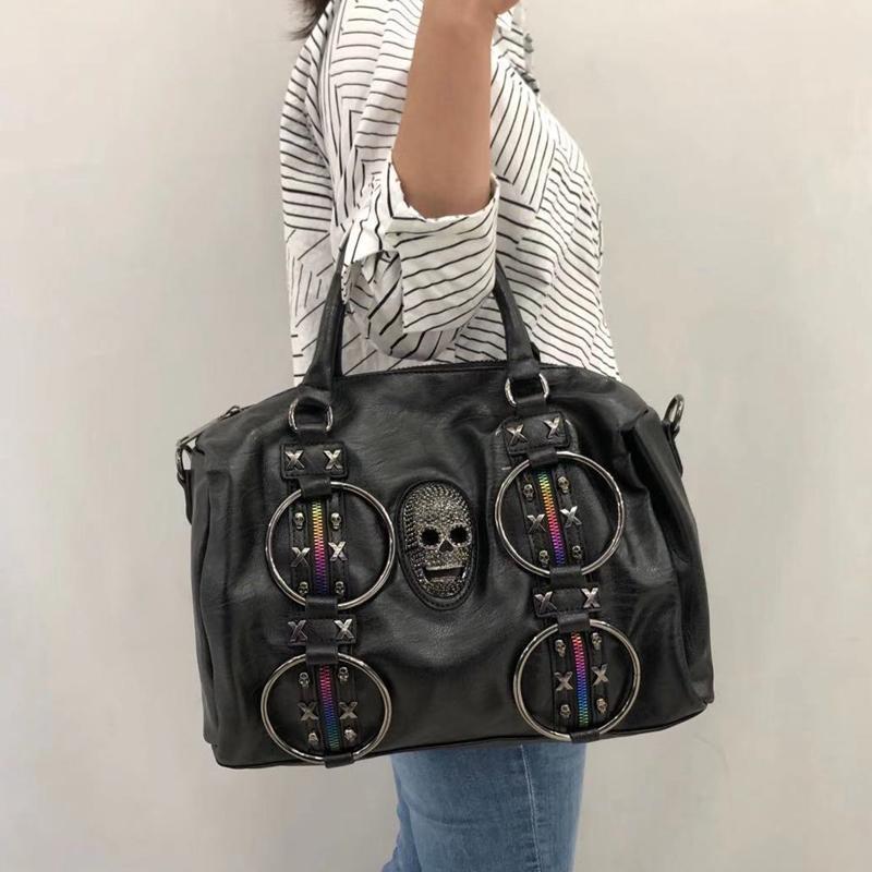 Borse da borsone Europa e America Stand di modo Personalizzazione Rivet Lady's Bag Real Leather Single Spalla singola Borsa a tracolla Viaggiare