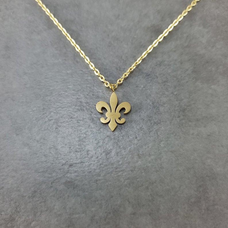 Frauen Mode Fleur de Lis Halsketten Anhänger Edelstahl Kette Blume Halskette Weihnachtsgeschenke 2020 Collier Femme