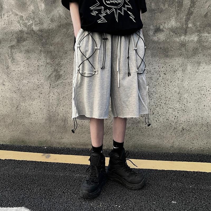 EWQ / desgaste masculino hip hop peplum cordão grande bolsos soltos largamente perna trabalho shorts high street cinco minutos calças 9Y3281 y200901