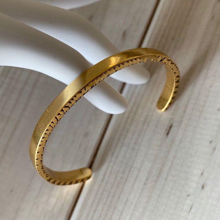 Lüks Tasarımcı Takı Kadınlar Bilezikler Altın Manşet Bileklik Mektup Ve Pullar Ile Bakır Altın Kaplama Sıcak Satış Moda Takı ile 1