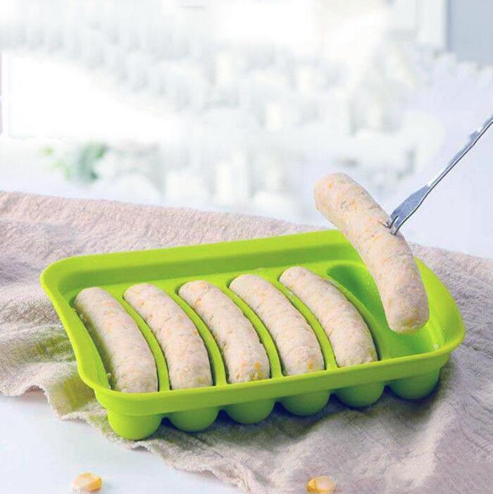 Molde de salchicha de silicona de bricolaje con tapa Molino de perros calientes Molinos para hornear Baby Food Maker Resistente al calor Cocina hecha en casa Herramientas de desayuno Yys4200