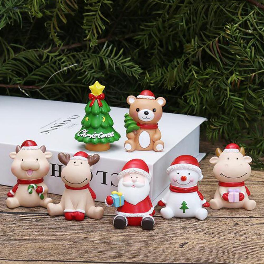 1 pz mini albero di natale Santa Claus Snowmen Deer Cow Bear Decoration Accessori regalo Fairy Garden Figurine Doll House Decor