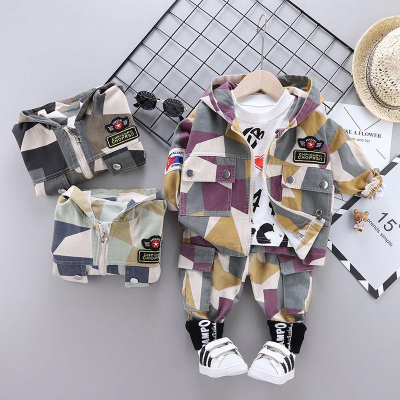 Baby-Kleidung 2020 Frühling und Herbst Mode Kinderbekleidung Set Camouflage Jaket + Sweater + Pants 3PCS Outfit Kinderkleidung Anzug Y1113