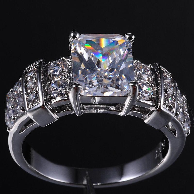 2017 Nouvelle arrivée Cool Desgin Bijoux de luxe 10kt Gold Blanc Blanc Frélé Topaz CZ Diamond Gemstones Princess Band Banding Bague Cadeau de cadeau 5-11