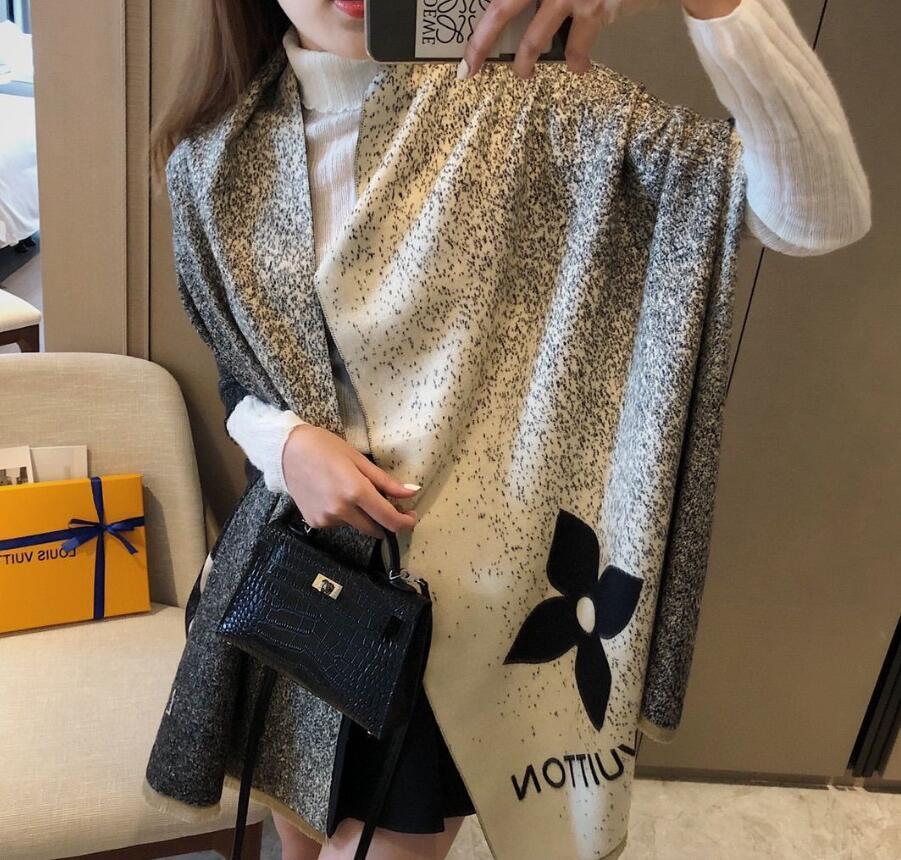 2021 Classic Designer Cashmere Scarf for Men and Women Luxury Winter Cashmere Design Big Letter Pattern Cashmere Pashminas Shawls Scarves