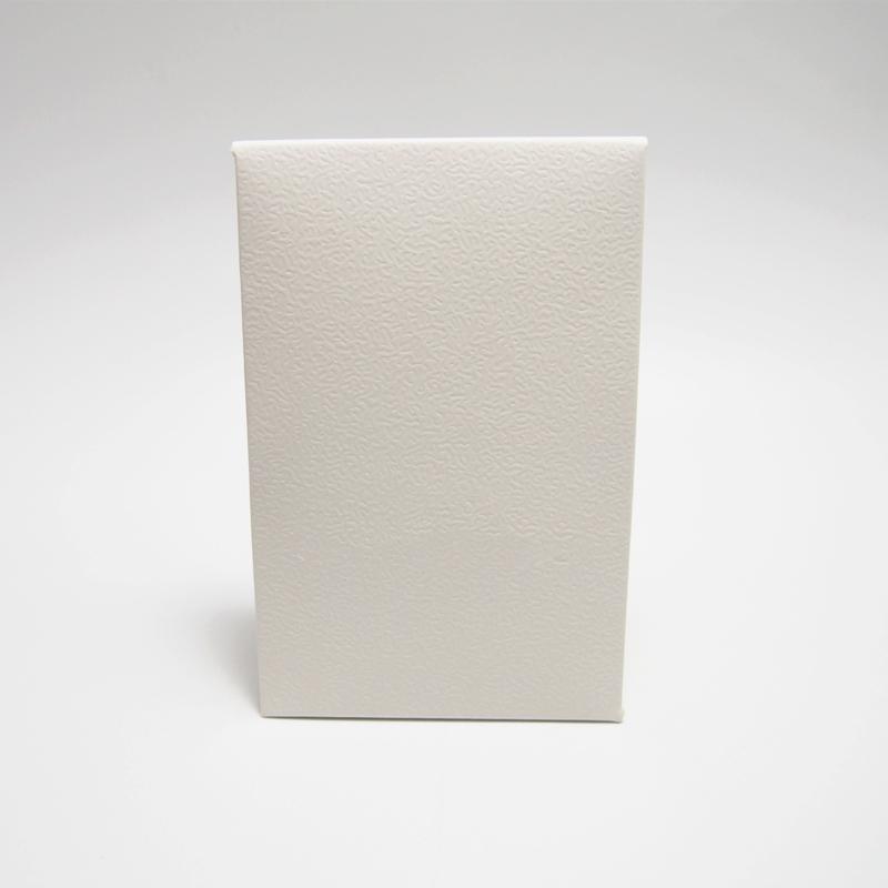 استبدال مصغرة مطوية بيضاء ورقة مربع حزمة هدية حقيبة صالح ل باندورا سحر الخرزة قلادة أقراط الدائري قلادة مجوهرات التعبئة والتغليف