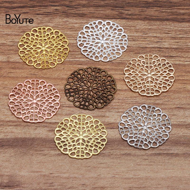 BOYAUTE (100 pièces / Lot) 25mm En laiton en laiton Filigree Fleur Matériaux DIY Main Main Fabriqué des bijoux Composants Vente en gros