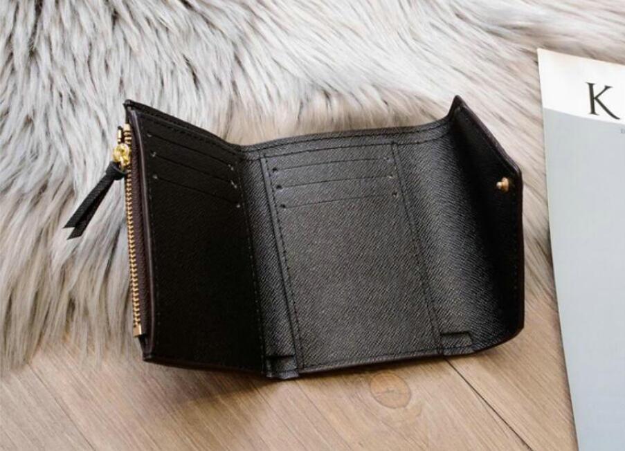أعلى جديد سستة فيكتورين إميلي زر المرأة قصيرة محافظ الأزياء يظهر غريبة الجلود الحقيبة جولة عملة محفظة بطاقة حامل M62472