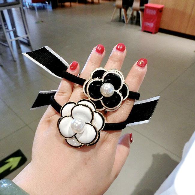 Dhl coréenne fille simple camélia fleurs fleurs élastiques cheveux bow cravate imitation perle femmes mode queue de cheval porte-cheveux accessoires de cheveux