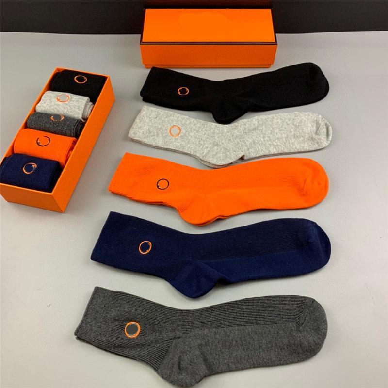 Hombres y mujeres Calcetines 5 Estilo Caballos de color naranja o Bordado Calcetines largos o cortos de la moda con caja de regalo 5 pares de mezcla