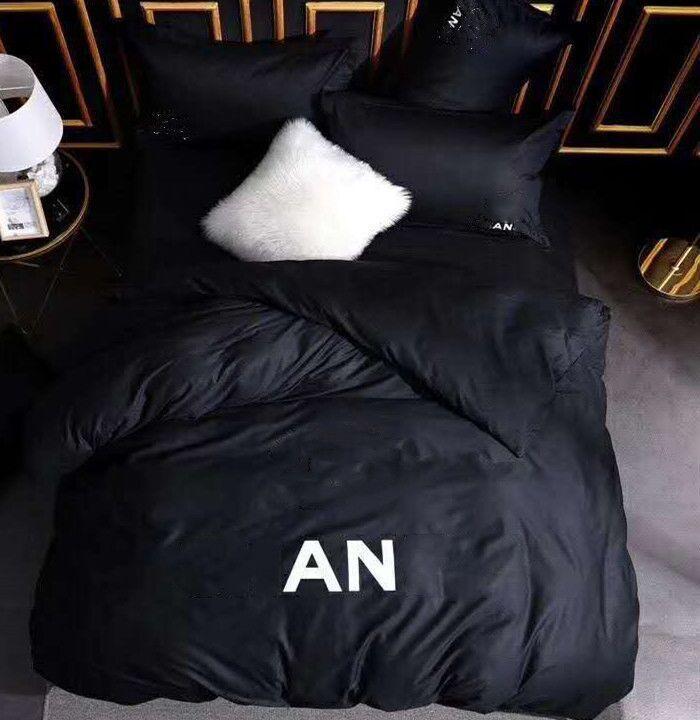 Conjuntos de ropa de cama de algodón letra impresa hoja de alta calidad cubierta edredón funda de almohada estilo europeo diseño sólido quesen size size stands