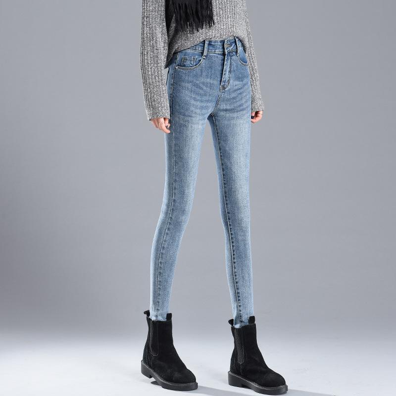جينز المرأة 2021 شتاء ارتداء السراويل ضيقة مع الصوف سميكة عالية مخصر وصغيرة