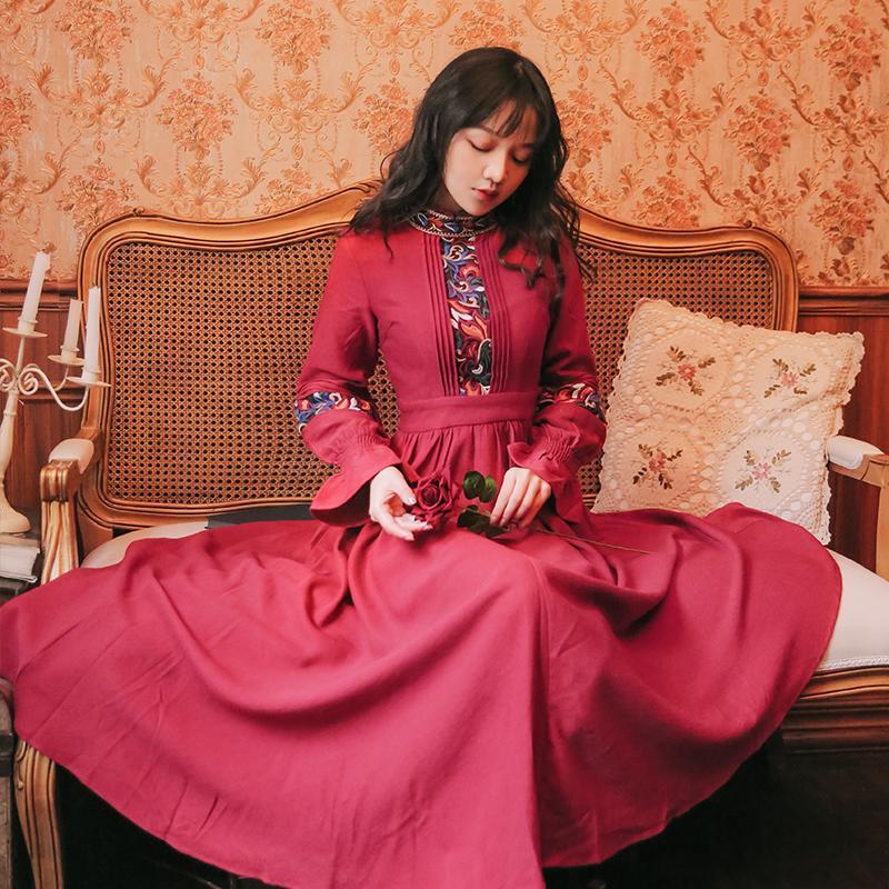Рукав полной шеи кабины вечеринка шифон цветочные вышивка длинное платье женское 2021 красное вино лодыжки ki75