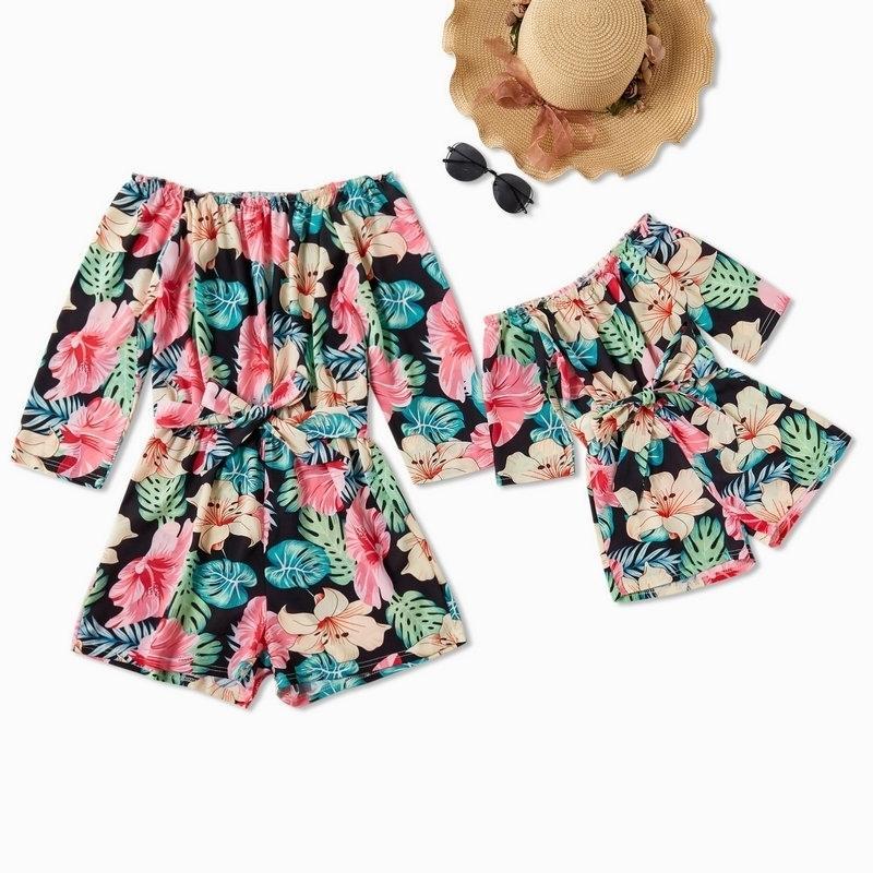 Matching off Hombro Mamá y yo Ropa Vestido Familia Versiones de verano Vestidos de verano Trajes Madre hija Playa Girl Ropa 201128