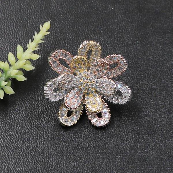 Fashion Jewelry Winter Hollow Delicate Flower Brooch Pin for Girls Woman Banquet Daily Micro Paved Zircon Popular Gifts