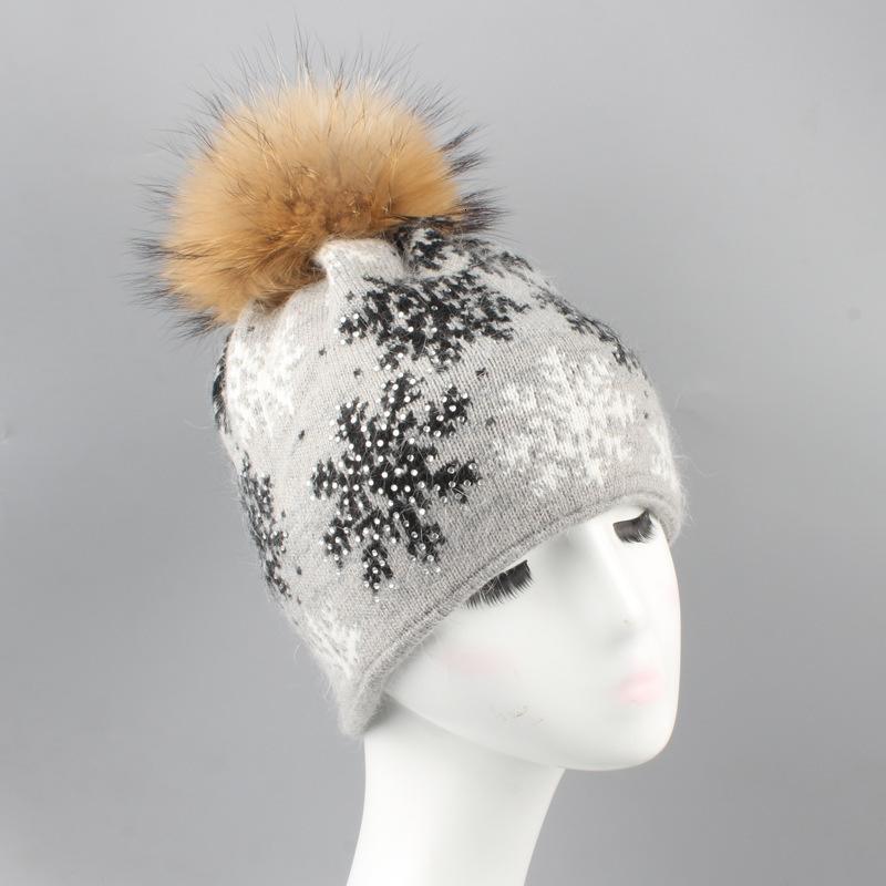 너구리 모피 공 니트 따뜻한 토끼 머리 눈 뜨거운 드릴 모직 모자 가을과 겨울 새로운 여성