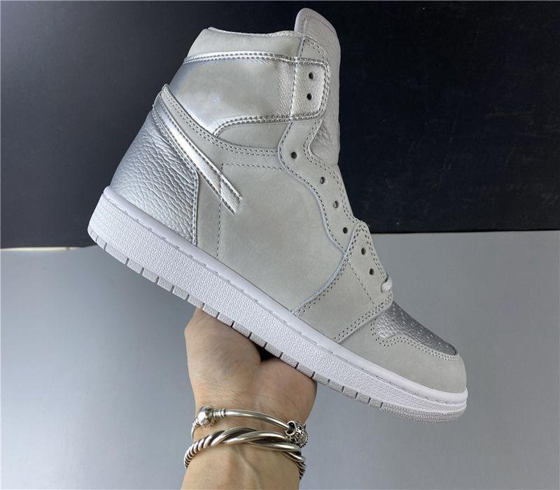 Новое поступление Jumpman 1 1S High Travis Scotts Бесстрашные UNC Мужские Женщины Баскетбольные Обувь запрещены Бредные Носки Мужчины Спортивные Обувь Размер 40-47,5