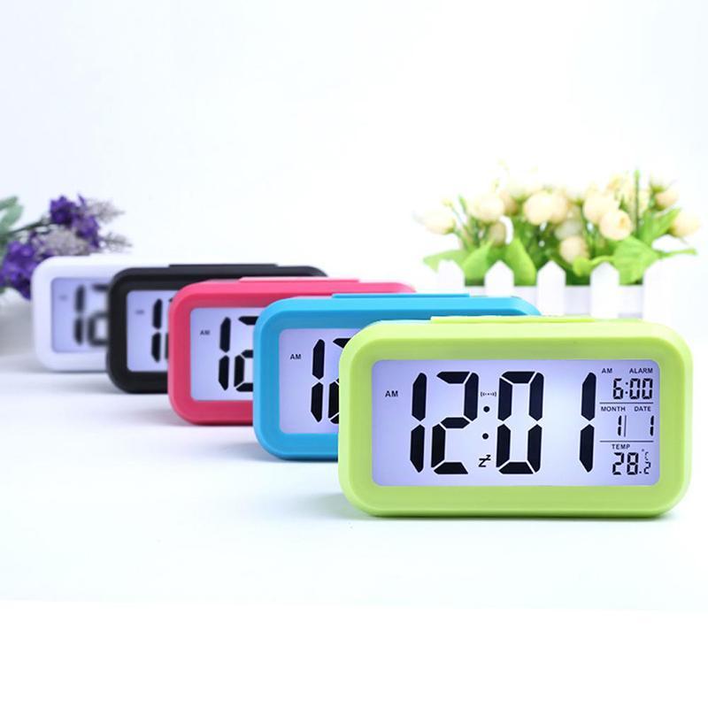 4 ألوان الذكية الاستشعار ليلة ضوء المنبه الرقمي مع درجة الحرارة ميزان الحرارة التقويم الصامت مكتب الجدول على مدار الساعة السرير استيقظ غفوة