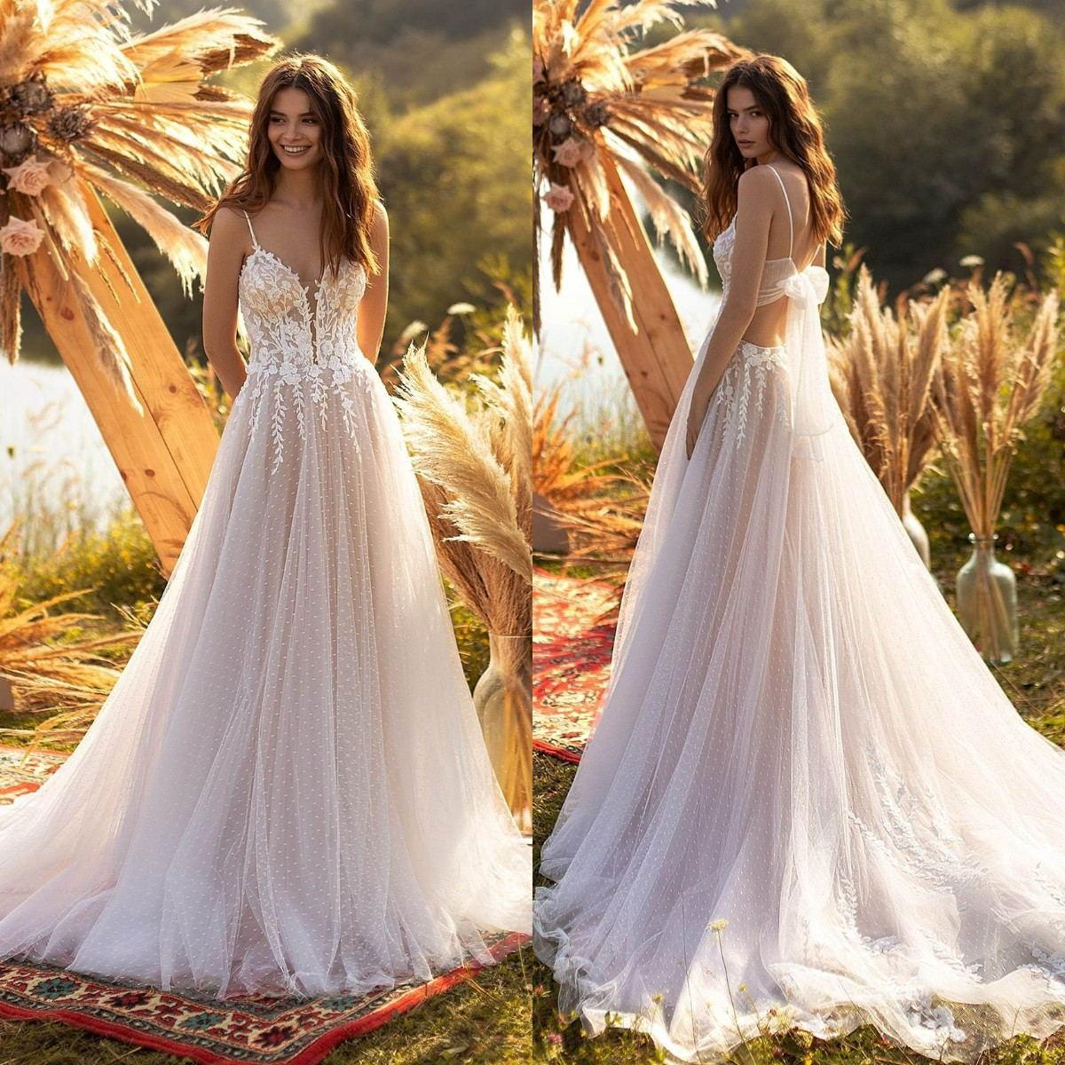 Sexy Plus Size A-Line Wedding Dresses Spaghetti Straps Lace Appliques Beach Bridal Gowns Backless Sweep Train Wedding Dress Custom