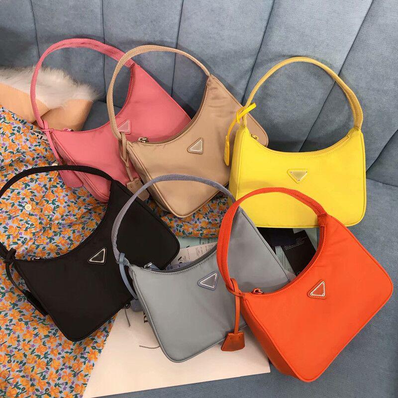 Mulheres 2021 designers de moda bolsa de ombro de alta qualidade luxurys bolsas de nylon bolsas de pele de nylon Senhora Crossbody Bolsa Europeia Baguette Pequena bolsa