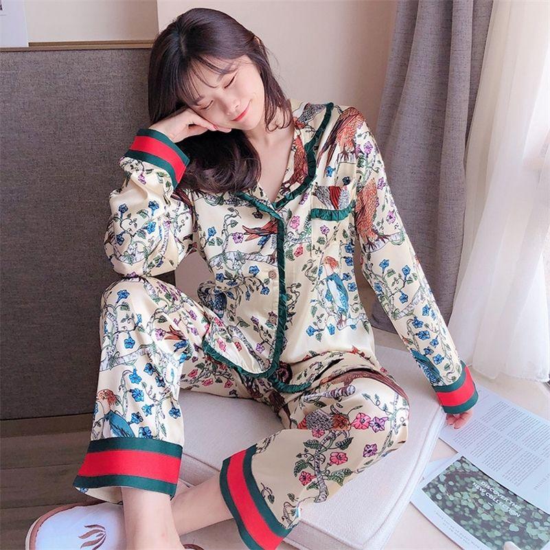 Manches longues Pijamas Set Summer Printemps Imprimer Pyjamas Pour Femmes Soie Satin Satiné Hearwear Deux Pieces Lounge Porter PJS Home Vêtements 201217