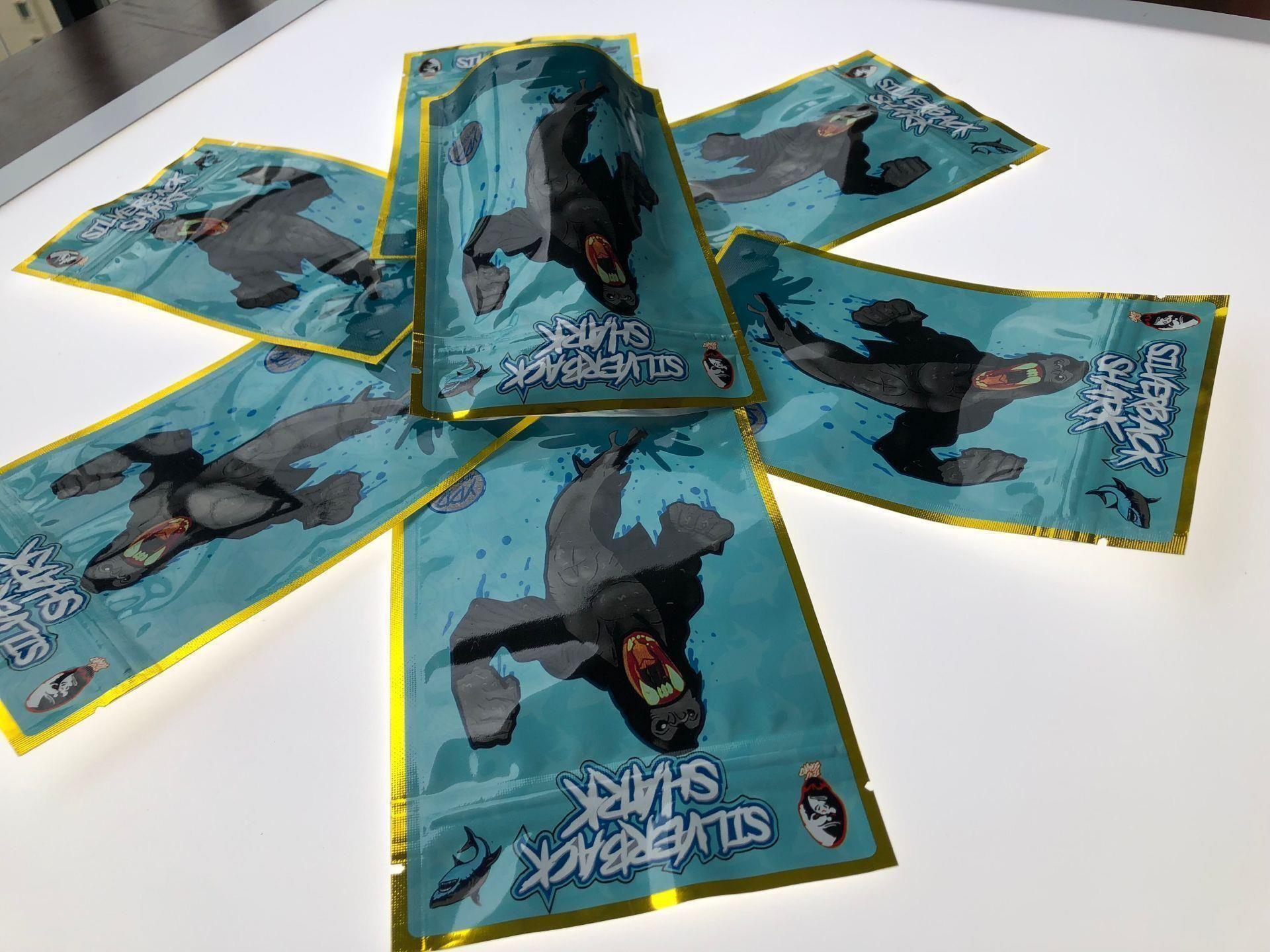 Şakalar Köpekbalığı Yukarı Sf Koku geçirmez Açılıp kapanabilir Çerezler Dokunmatik Runtz Ekmek Kaliforniya Köpekbalığı Mylar Cilt çocukların açamayacağı Gümüş wmtbbn 3.5-7g Çanta Ambalaj