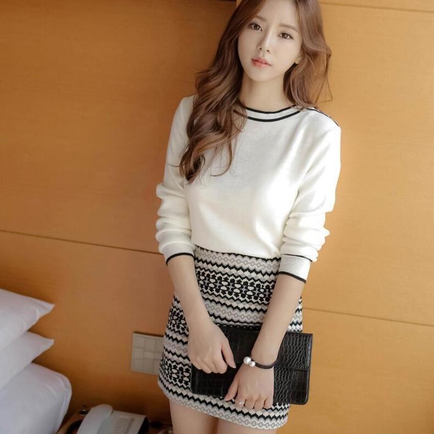 Primavera e autunno nuovo stile piccolo fragranza manica lunga maglione a maniche lunghe a maglia hip due pezzi brevi gonna set femmina versione coreana Q777y