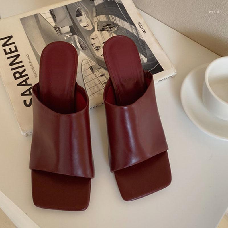 2020 Moda Moda Mulheres Bombas Sapatos Senhoras Aberto Square Toe Sandália Alto Salto Sólido Mulas Femininas Sexy Sandal Slide Sapatos Casuais1