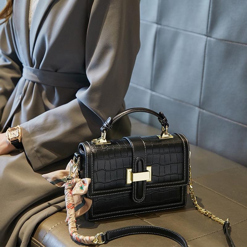 PDEG 2021 Neue hochwertige Damenmode Umhängetasche Klassische Handtasche Damen Ledertrend Casual Crossbody Bag kommt mit und Kastenverpackung