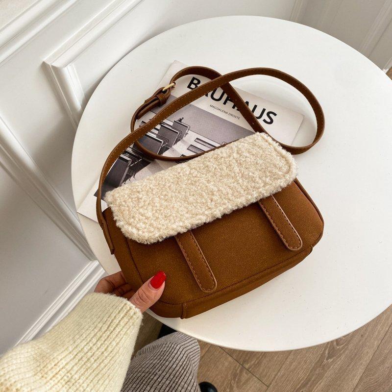 2021 Mode Femmes Sac à bandoulière Sacs d'épaule Designer Messenger Sac Peluche Sac à fourrure de luxe Dames Petits sacs à pied