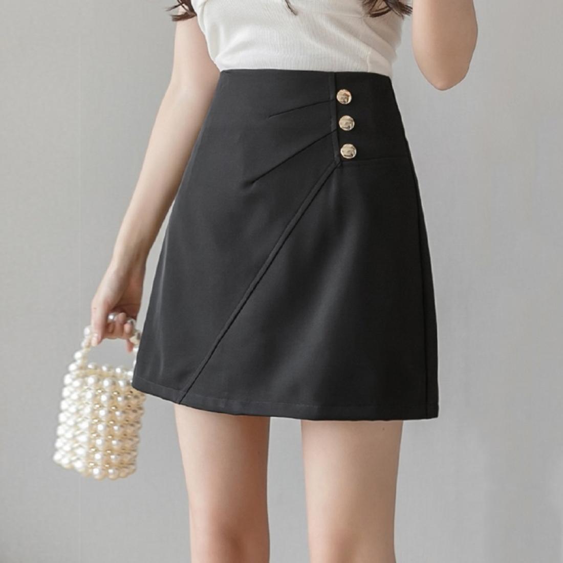 Bouton d'été décoré une jupe courte jupe à taille haute taille haute