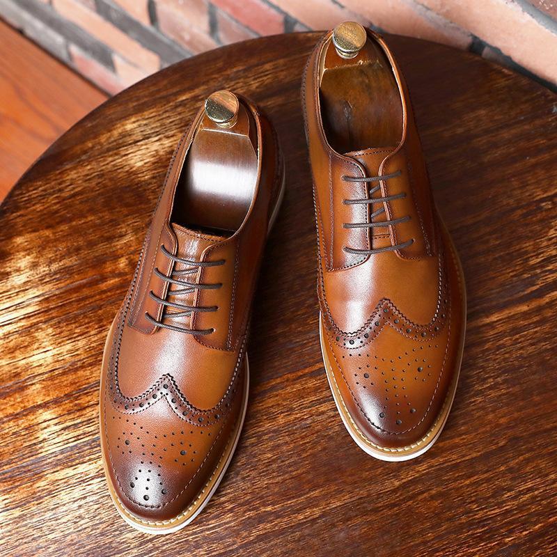 Chaussures de cuir de première couche pour hommes lacent chaussures de monsieur Brock semelles en caoutchouc formel en cuir occasionnels