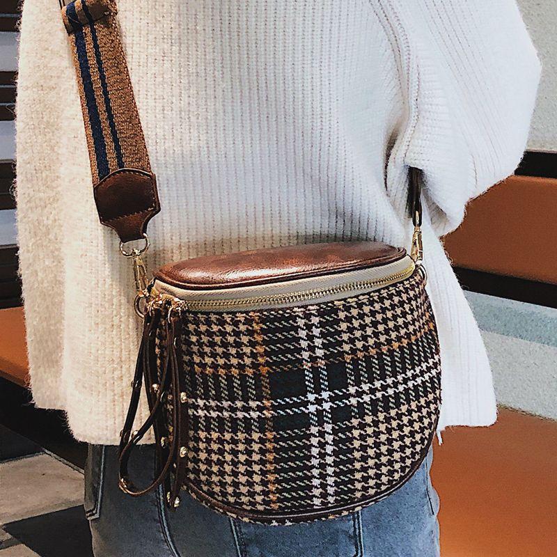 Moda Çantalar Eyer Omuz Kadın Crossbody Çanta Lüks 2021 Bayanlar Marka Geniş Kayış Yeni Messenger Kadın Tasarım Hubhd
