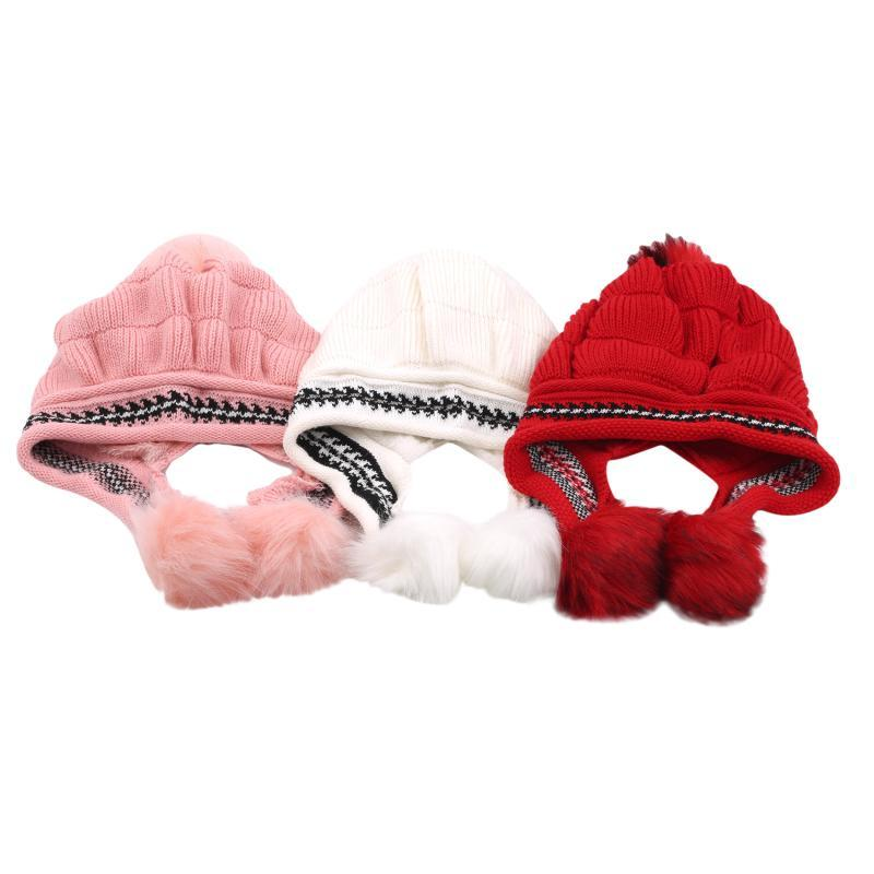 Mädchen verdicken Ski-Schnee-Cap New Fashion Pelz PomPoms Winter-Frauen-Hut-Female Skullies warme Handschuhe + Wollmütze Set