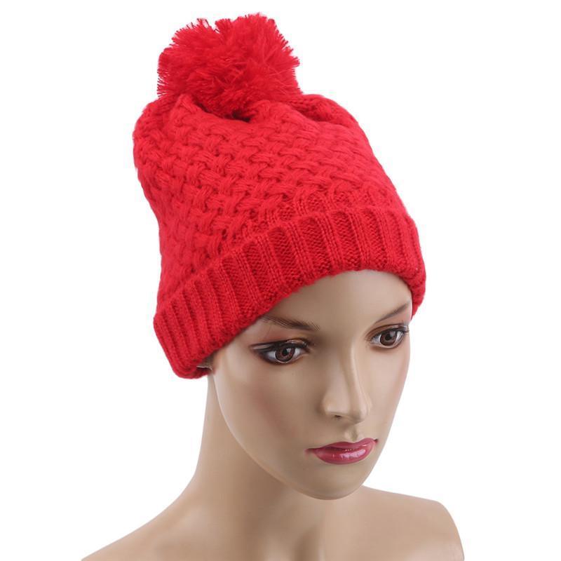 Femmes Bonnet d'hiver doux épais doublé double couche tricoté tricoté avec fausse fourrure Pom Pom Hats Fashion Sports de plein air sauvage