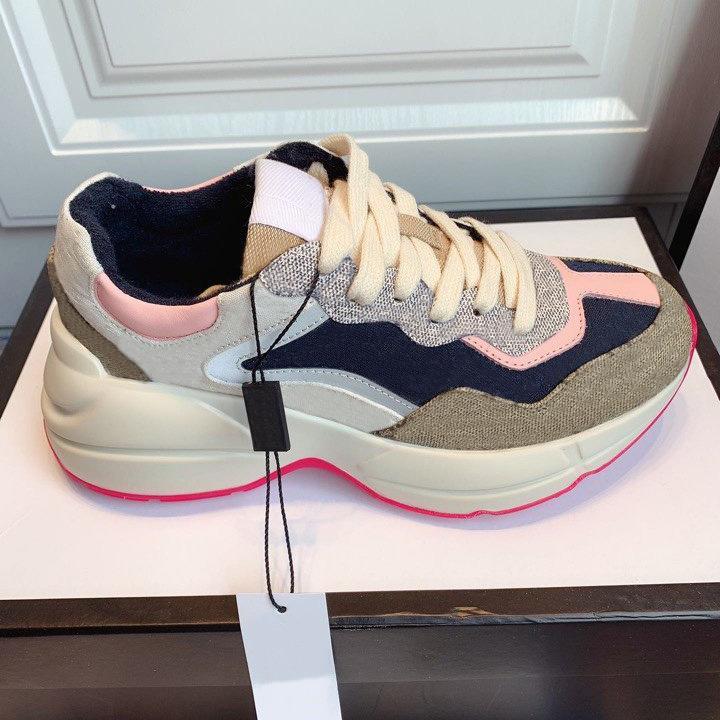 2021 Lady Grosso Soled Sapato Casual Sneaker Letras Lace-up Plataforma Lazer Mulheres Sapatos Moda Novo Plano Sapatos de Lona Grande Tamanho