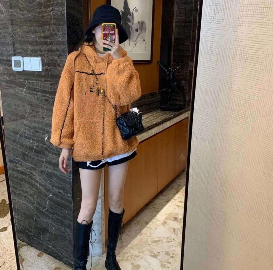 2020 donne autunno / inverno designer con cappuccio morbido e sciolto largo lana di lana ad agnello con cappuccio con cappuccio addensato