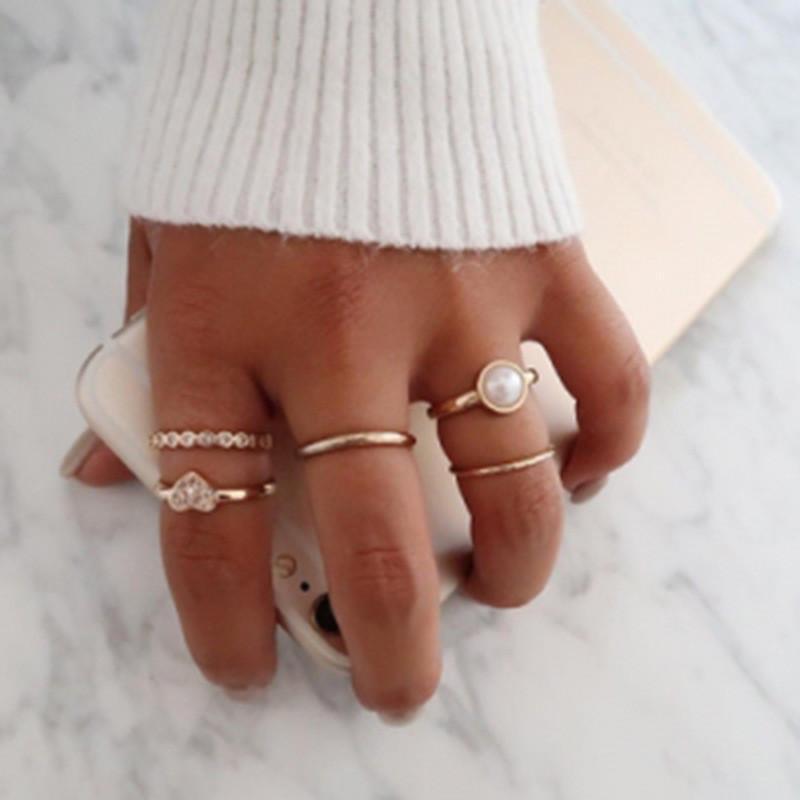 Nuovi set anello in lega d'oro vintage per le donne 5pcs / set moda cz zircone cuore anello anello anello squillo anello