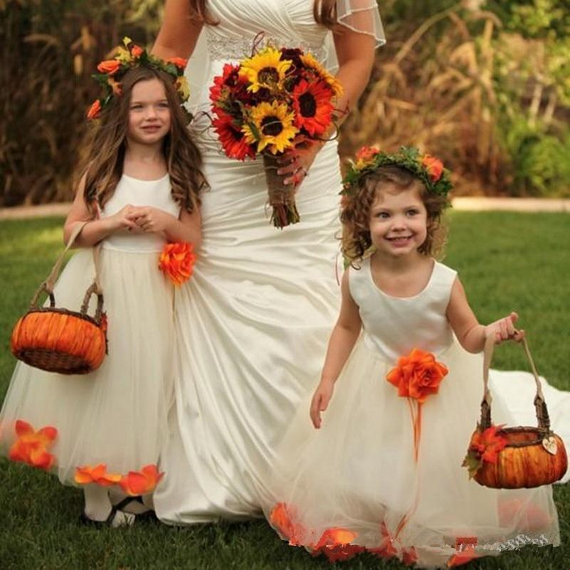 Robes de mères douces et de fille pour mariage de mariage cou une ligne de plancher longueur girl de fleur ivoire robes avec des fleurs fabriquées à la main