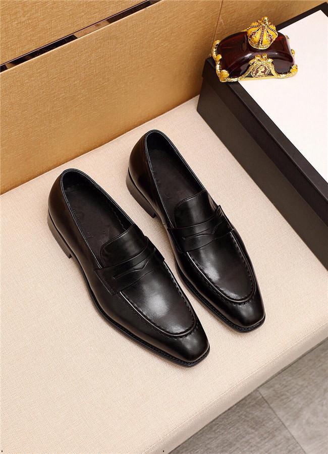 Designer di 18SS Designer da uomo in pelle di marca scarpe formali pizzo pizzo vestito scarpe oxfords moda retrò scarpe elegante lavoro calzature da goccia spedizione