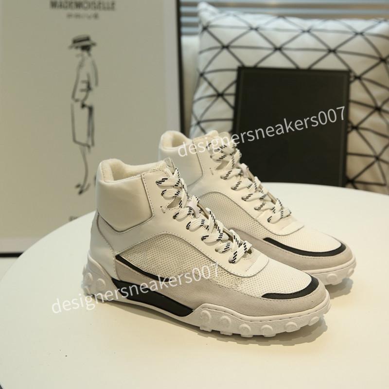 Top New Woman Shoes Casual Scarpe da uomo Green Sneaker Donne in pelle Casual Scarpe Casual Low Lace Up Scarpe piatte Casual con Suola chiara WLXY190219