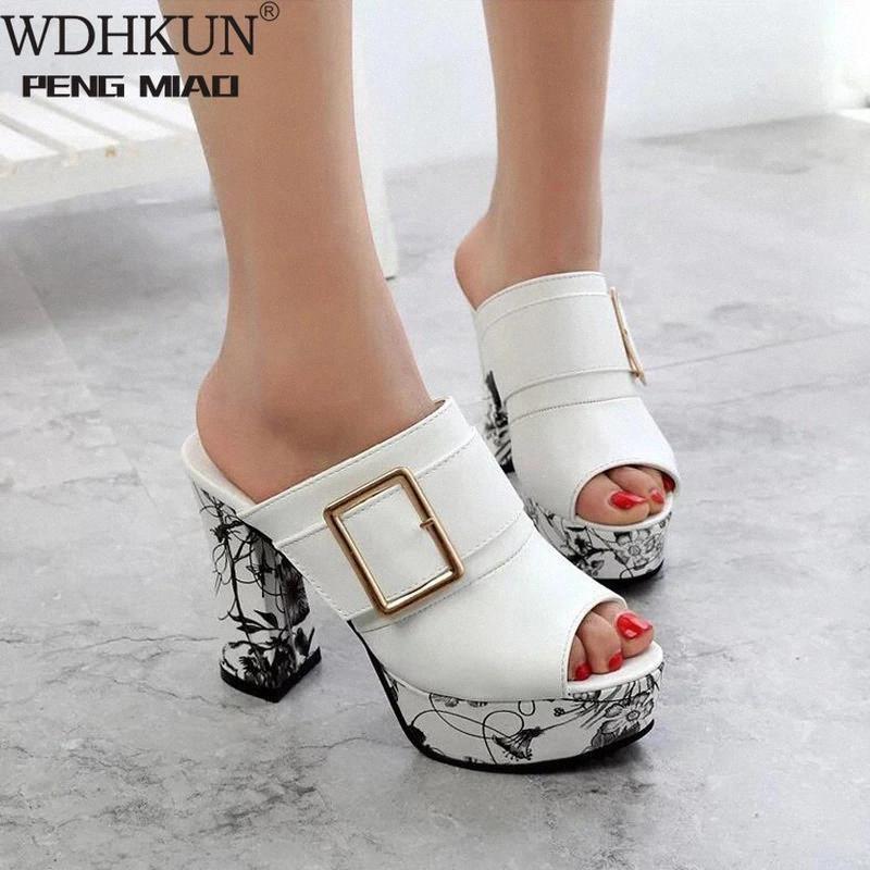 2021 Mujer Sandalias de verano Sandalias Oro Open Toe Sandal Lace Zapatos Zapatos para mujer Tacones altos Sandalias Sandalias Cuadradas Zapatos de mujer # VD1V
