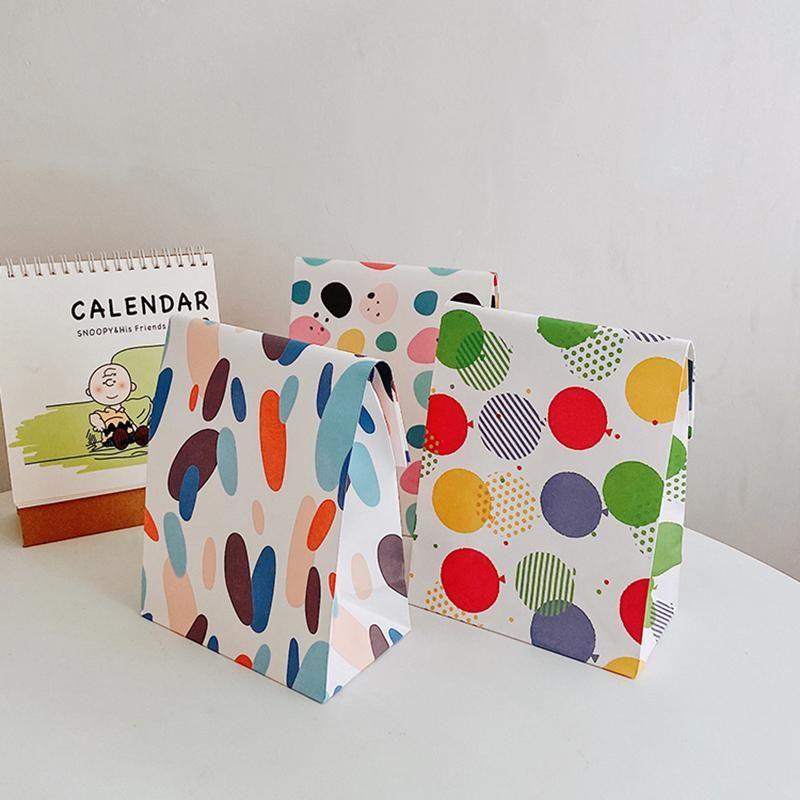 귀여운 색상 추상 그림 작은 종이 선물 포장 가방 귀여운 만화 편지지 양말 저장 파우치 10pcs