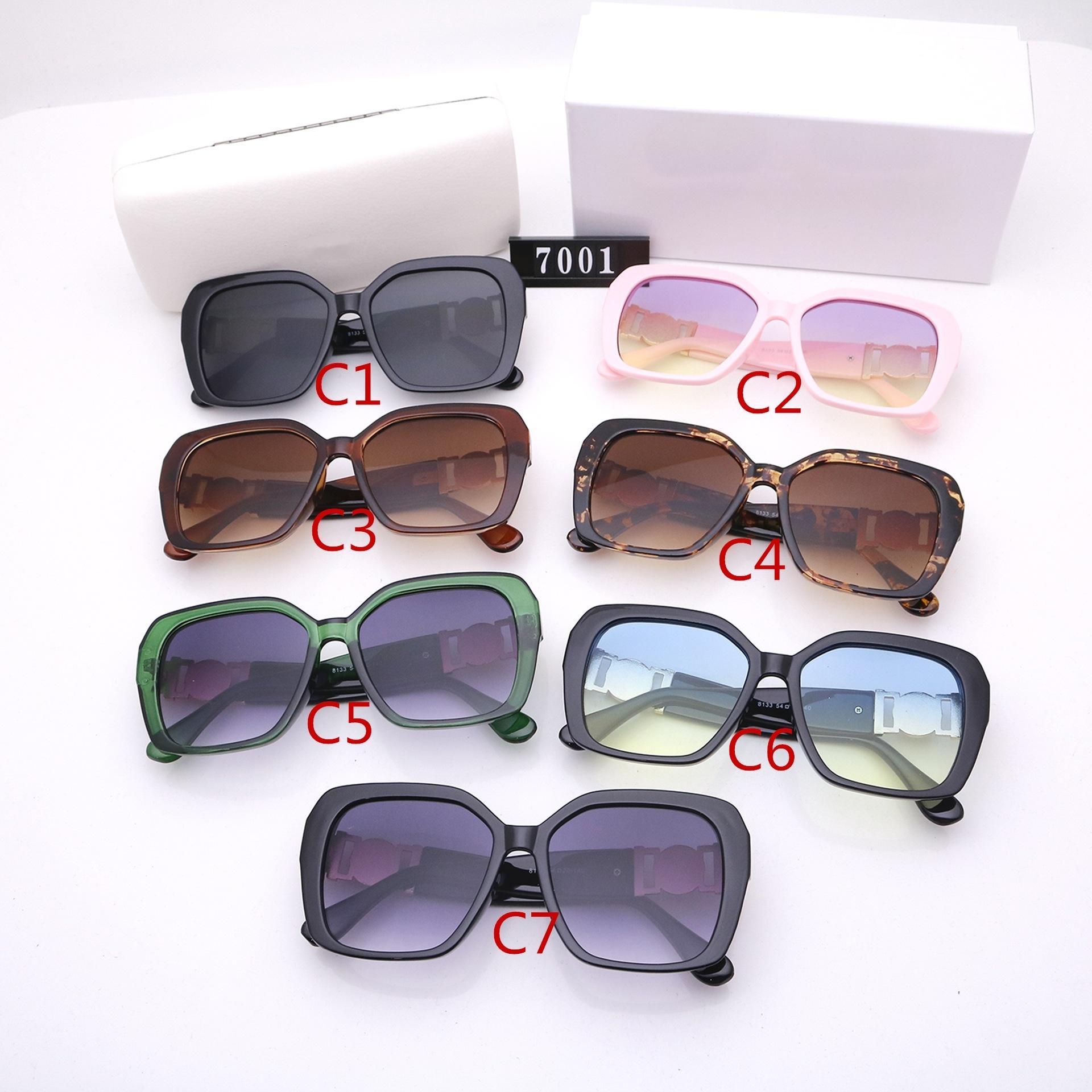 Erkekler ve Kadınlar için Beş Renk Moda Güneş Gözlüğü Luxurys Tasarımcılar Yüksek Kalite HD Polarize Lensler Klasik Büyük Çerçeve Sürüş Gözlük 7001