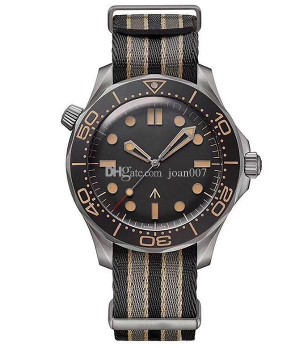 Montre de luxe Diver 007 Edition Master Planet 600m 2813 Mouvement mécanique automatique Hommes Montres Strap Strap Sport Montres-bracelets