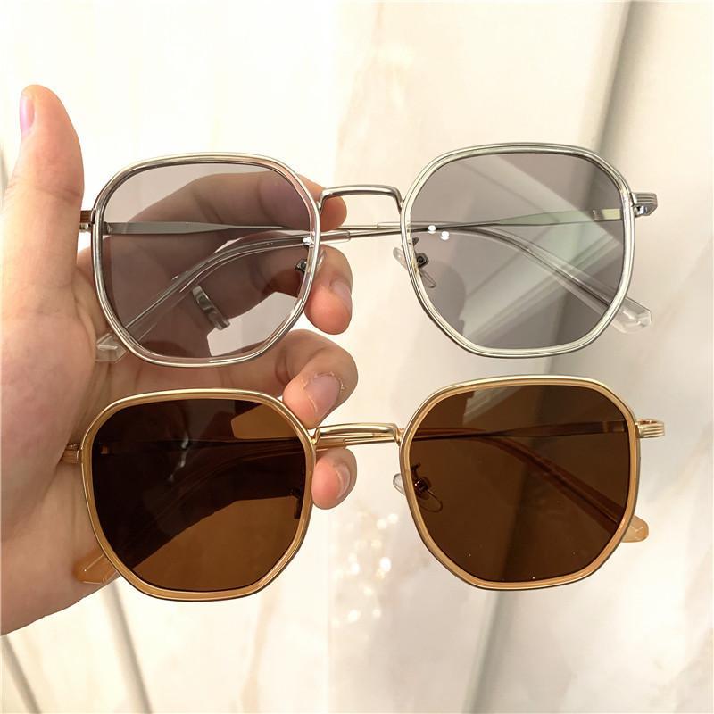 2020 Neue Ankunft Frauen Mode Sonnenbrille Box Rotes Netz mit dem Geld Männer und Frauen Wilde Welle Retro Sonnenbrille TR90 Gläser